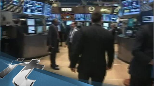 United States Breaking News: Stocks Fall After Weak Economic Reports