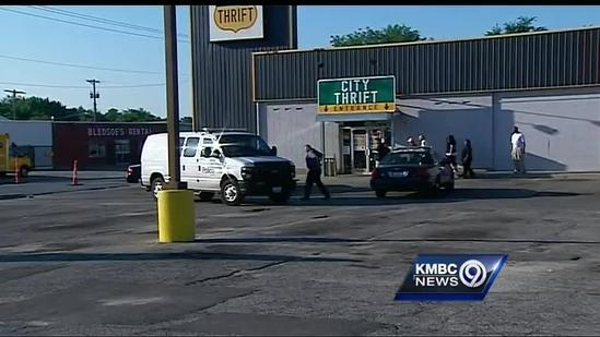Robbers strike at south Kansas City thrift store