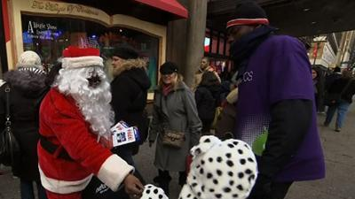 Some Holiday Shoppers Worried About Fiscal Cliff
