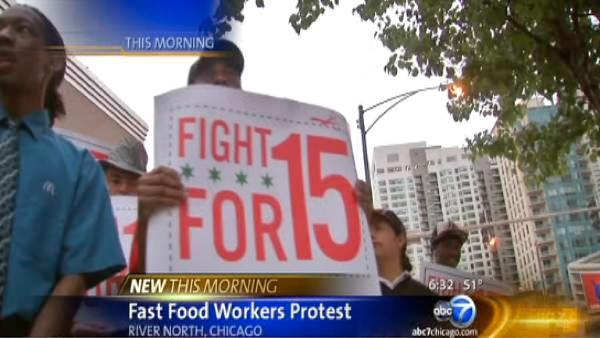 Chicago fast food workers protest for higher wages