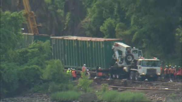 Weekend repairs continue on Metro North after derailment