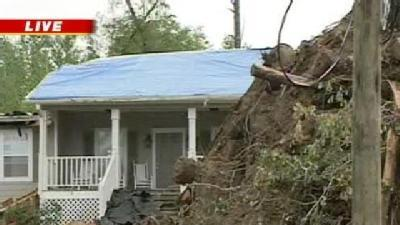 Rainy Weather Hard For Tornado Victims