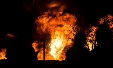 悚!火焰直竄 已90多人死傷