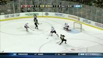 Brad Marchand sets up Reilly Smith on 2-on-1