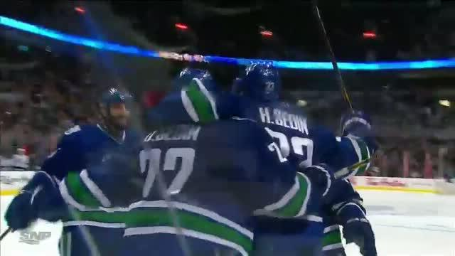 Sedin to Sedin connection nets a goal