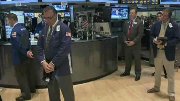 Moment of silence observed on Wallstreet