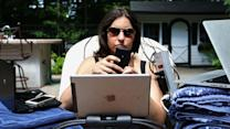 To Help Unplug on Vacation, Use Tech