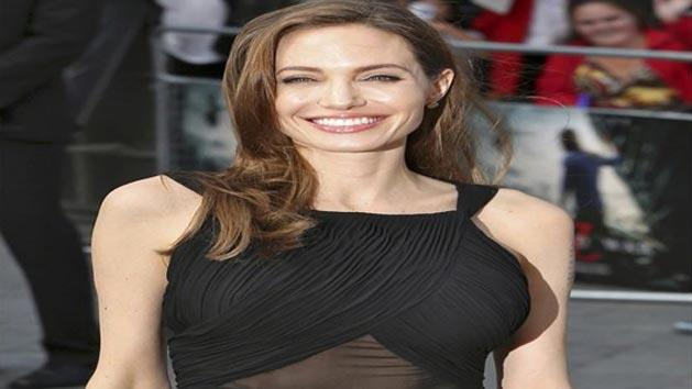 Angelina's first public appearance after double Mastectomy
