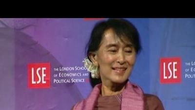 Suu Kyi calls to amend Myanmar constitution