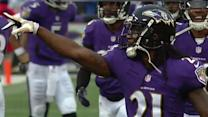 Baltimore Ravens cornerback Lardarius Webb intercepts Conor Shaw