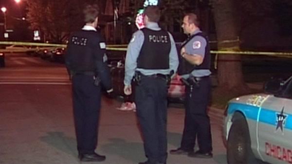 Woman beaten during robbery in Old Irving Park, 4100-block of West Eddy