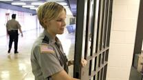 Shutdown side effect: Prisoners get paid, prison staff don't