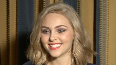 AnnaSophia Robb Discusses Her Many Romances On 'The Carrie Diaries'