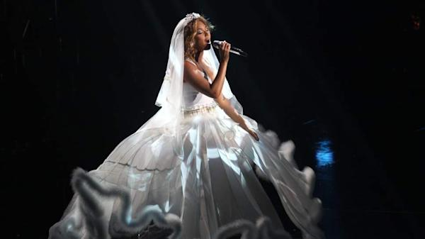 Beyonce Shares The First Full Look At Her Wedding Vow Renewal Dress
