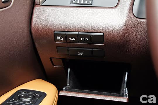 5+2≠7 Lexus RX350 L