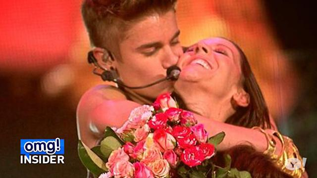 Justin Bieber Serenades Mom Pattie Mallette on Mother's Day