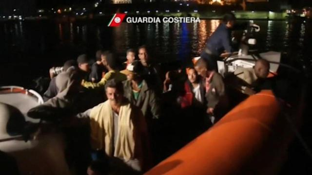 At least 94 dead in shipwreck off Italy