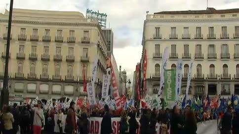 Los sindicatos protestan contra la privatización de la sanidad en Madrid