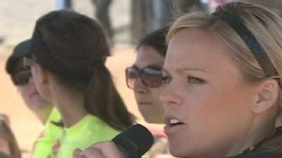 Finch Holds Local Softball Camp