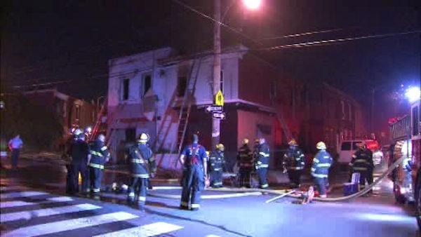 2 injured in North Philadelphia house fire
