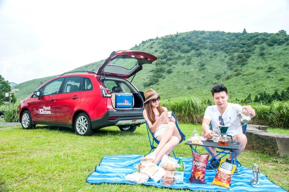 出外野餐也絕對不是問題,將所有東西丟到NEW COLT PLUS車上就對了