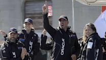 Oracle CEO snubs big crowd to watch America's Cup