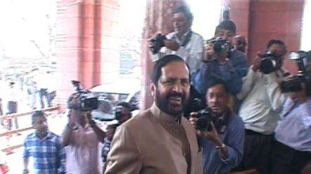 Court allows Kalmadi to attend London Olympics