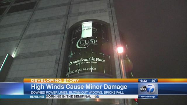 High winds cause Chicago, Michigan Ave. damage