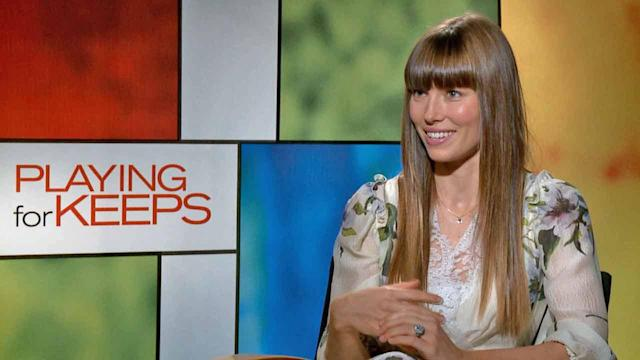 Real-life newlywed Jessica Biel plays a mother in 'Playing for Keeps'