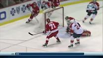 Daniel Cleary buries rebound on Tim Thomas