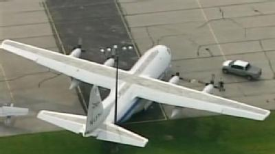 Raw: Thursday Wind Moves 75,000 lb Military Aircraft!