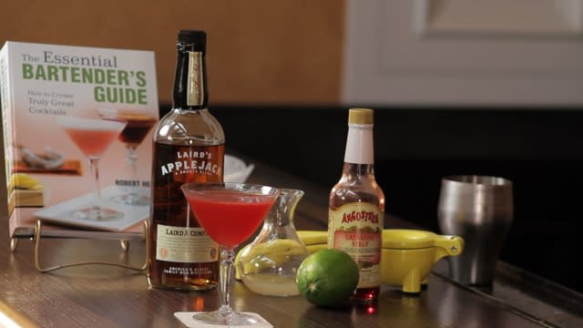 How to make the Harvest Moon cocktail