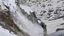 New Zealand Skier Captures Moment Glacier Collapses at Mt Cook