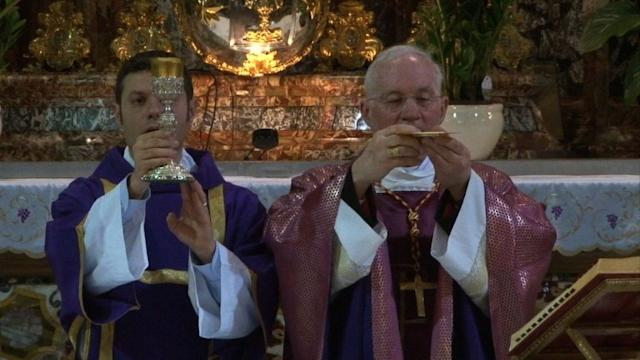 Cardinals celebrate masses in Rome ahead of conclave