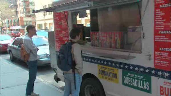 Proposal to regulate where food trucks can park