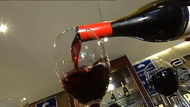 Red wine 'could extend life span'