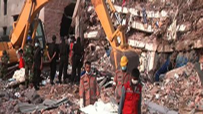 Police: Bangladesh Collapse Deaths Surpass 500