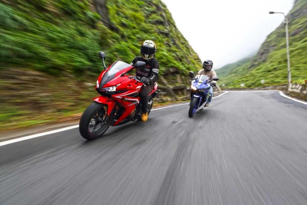 CBR500R與R3在運動性能皆有水準以上的演出,輕巧、短軸距設定的R3在山道路段更顯刁鑽,CBR500R則能發揮動力優勢彌補軸距較長的差異