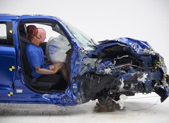 Mitsubishi Outlander Sport拿到中下的「Marginal」評等,當車子受到撞擊側面安全氣囊沒反應