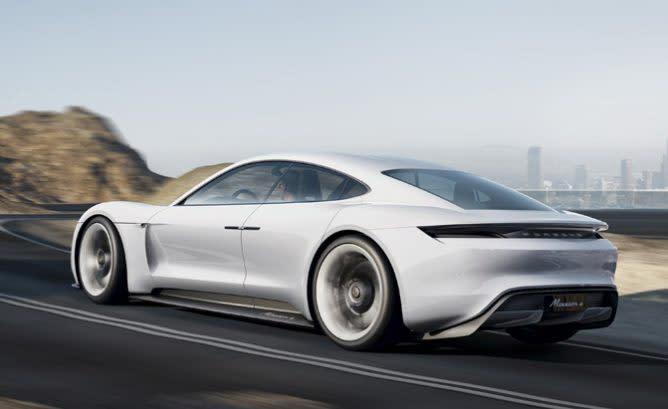 一馬當先!Porsche首款電動跑車名叫Taycan