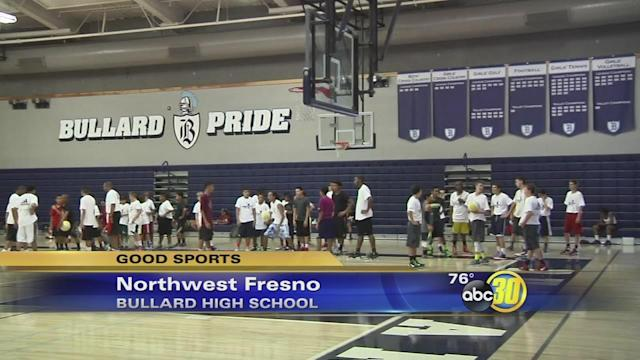Fresno's Quincy Pondexter holds basketball camp