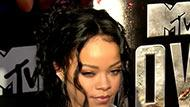 WOWtv - Rihanna Donates $25K to the L.A. Police Foundation