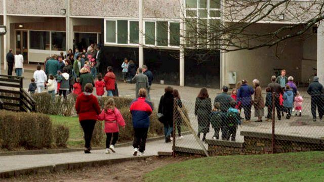 Lessons learned from Dunblane after Newton school shooting