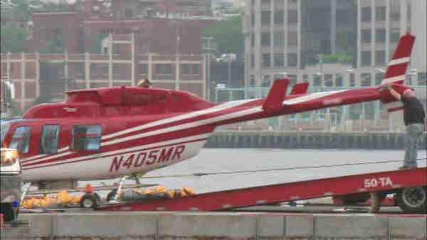 Helicopter makes hard landing in Hudson River
