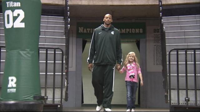College Basketball Star Befriends Young Cancer Patient