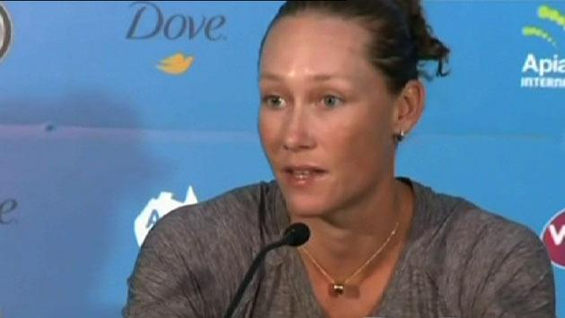 Stosur loses to Zheng at Syd Intl