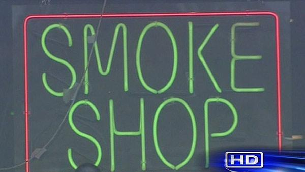 Parents express concerns about smoke shops near school