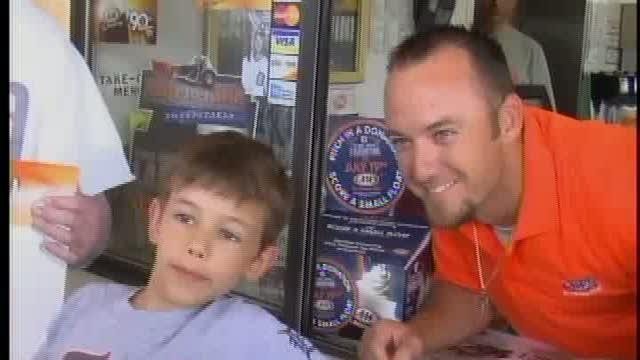 Raburn serves up root beer floats for charity