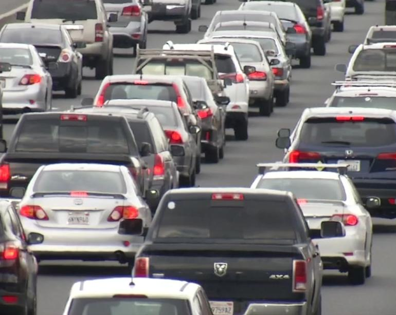 Bucking President Trump's plan, 4 automakers side with California on  emissions standards