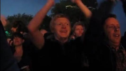 Fan shows spirit at Stone Roses concert